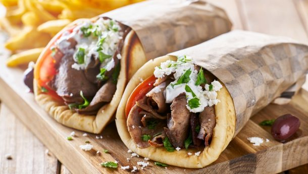 A wrap stuffed with either chicken, lamb or pork as well as salad and sauce. A street favourite in Greece.