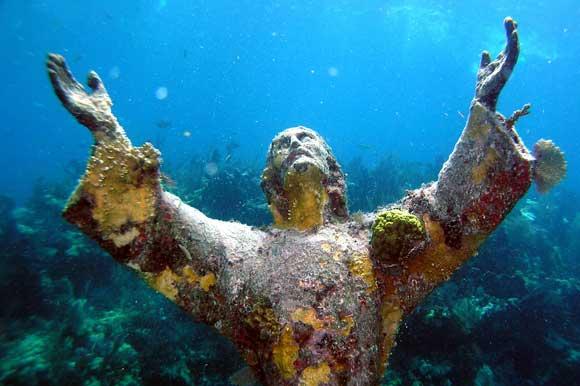 An underwater statue of Christ sat on Qawra bay's ocean floor