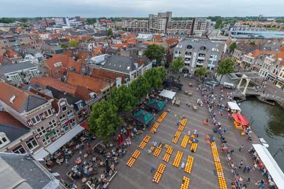 Overhead shot of the Alkmaar Waagplein on Cheese Market Day