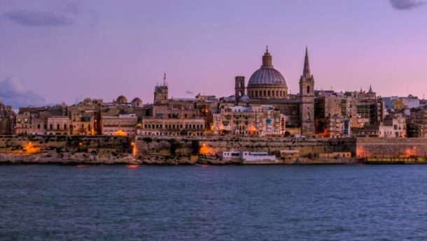 Valetta at night