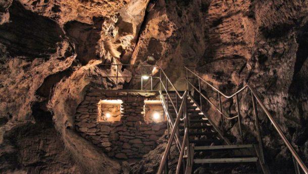 Underground caves in Budapest