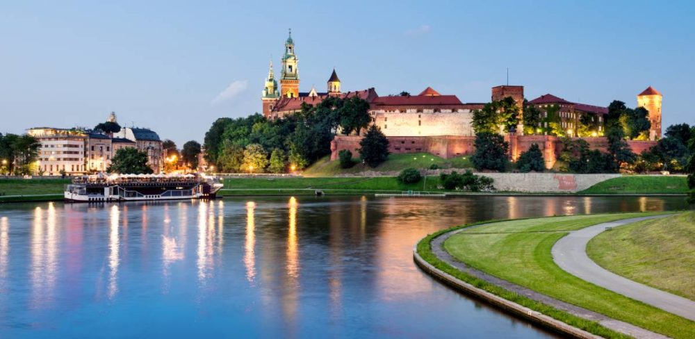 Wawel hill at night