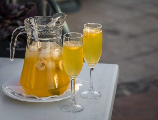 Yellow champagne sangria