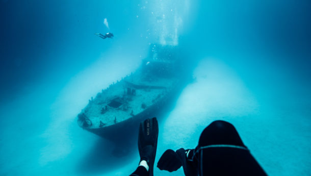 p31_diving_wreck_off_the_coast_of_malta_and_gozo_featuring_divers_feet