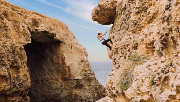 Cliffs_of_Gozo_and_rocking_climbing