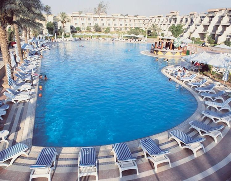 Cataract Pyramids Resort Cairo Holidays To Egypt Broadway Travel